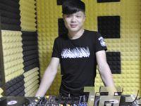 广东韶关DJ学员陈浩机房练习照片