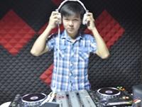 湖北武汉DJ学员徐唐彬机房练习图片