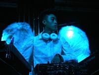 顶尖DJ学员黄勇唐酒吧做场照片