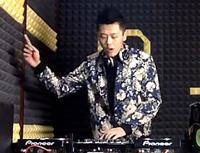 顶尖DJ学员张云峰House接歌练习