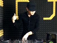顶尖DJ学员王振华House接歌练习