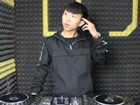 陕西DJ学员郑琦机房练习照片
