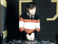 顶尖DJ学员徐凯D阶段House接歌练习