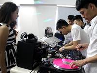 2015年第一届顶尖DJ学校内部学员接歌交流赛 赛前准备