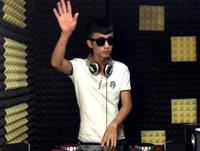 顶尖DJ学校学员张泽House接歌练习视频
