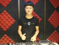 安徽DJ学员彭雨廷机房照片