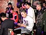 顶尖DJ学校内部学员接歌交流赛看比赛的学员