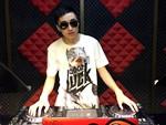 天津DJ学员刘欢机房照片