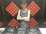 上海DJ学员杨一帆机房照片