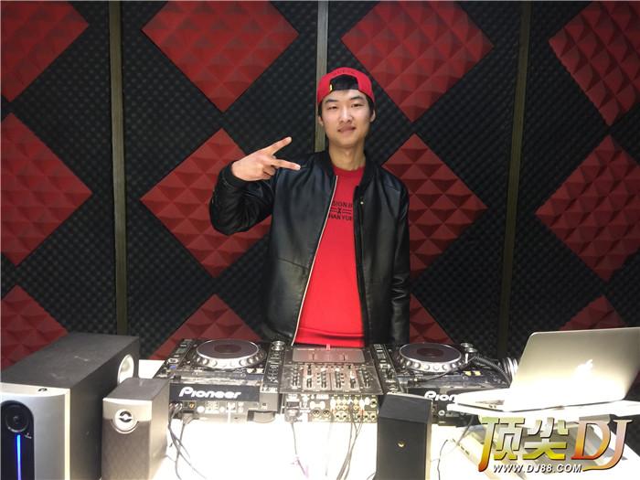 顶尖DJ学校学员王香港E阶段考试