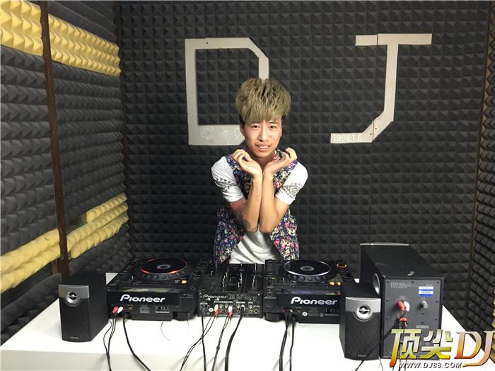 山西顶尖DJ学校学员路翔文毕业考试