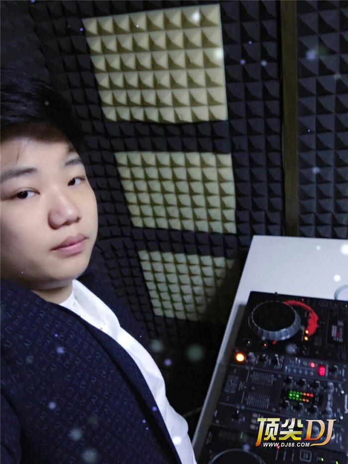 湖北顶尖DJ学校学员马俊E阶段考试
