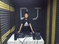 DJ学员李辉机房照片