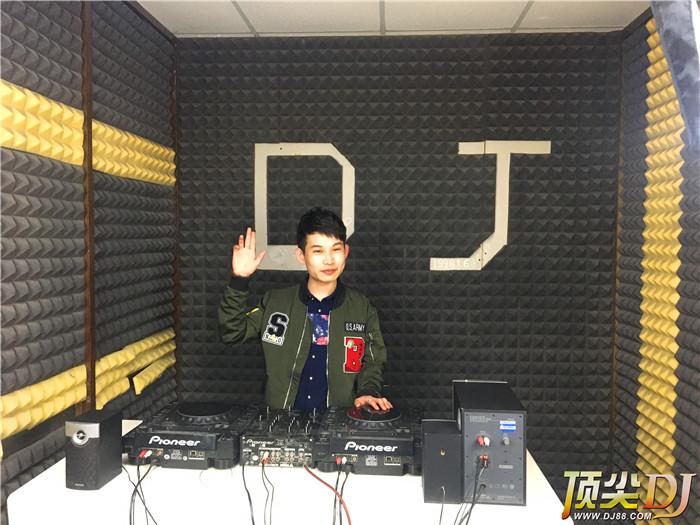 北京顶尖DJ学校学员武鹏飞E阶段考试