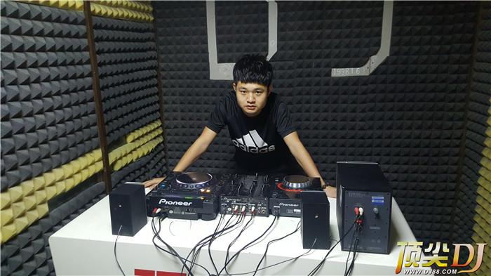 顶尖DJ学校学员李辉D阶段考试