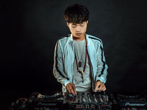 顶尖DJ学校学员刘建林