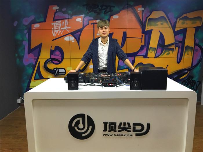安徽顶尖DJ学校学员孙辰龙E阶段考试