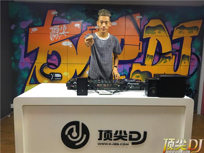 内蒙古顶尖DJ学校学员樊智富毕业考试