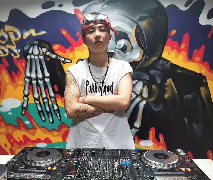 贵州DJ学员张延照片