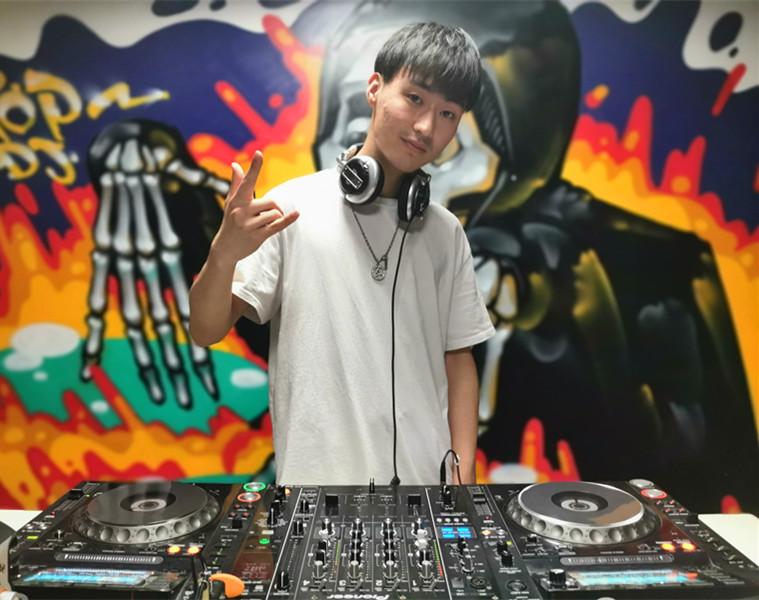 江苏DJ学员李善祥照片