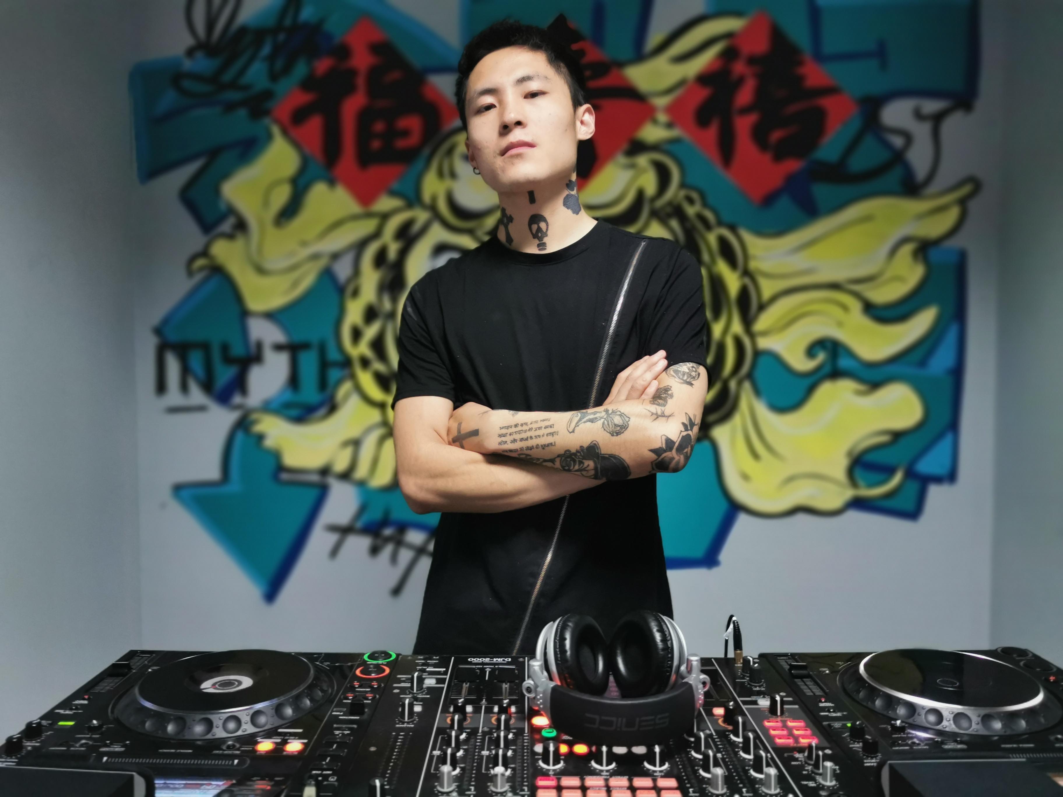 顶尖DJ学校学员马腾飞毕业考试