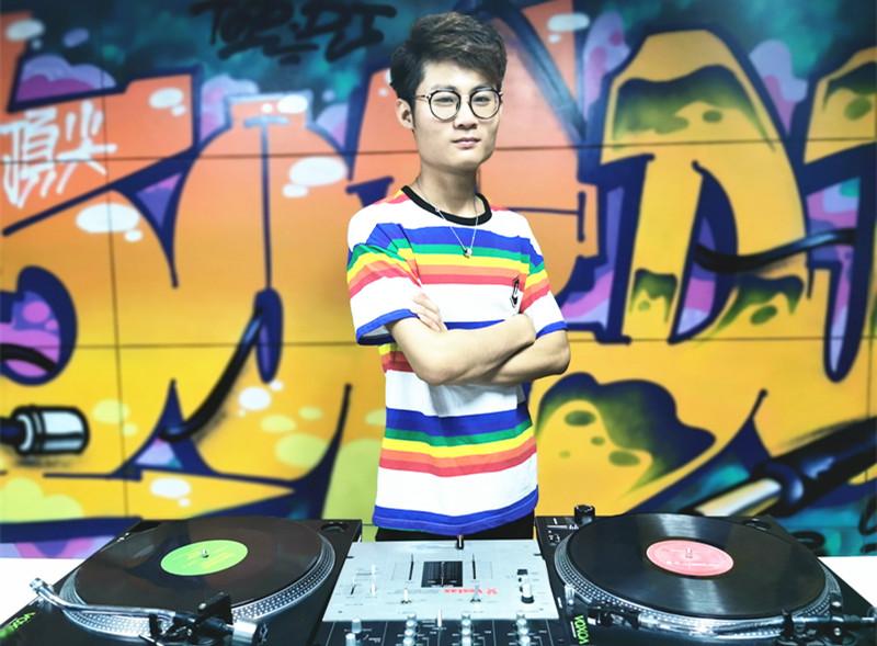 安徽顶尖DJ学校学员吴家季照片
